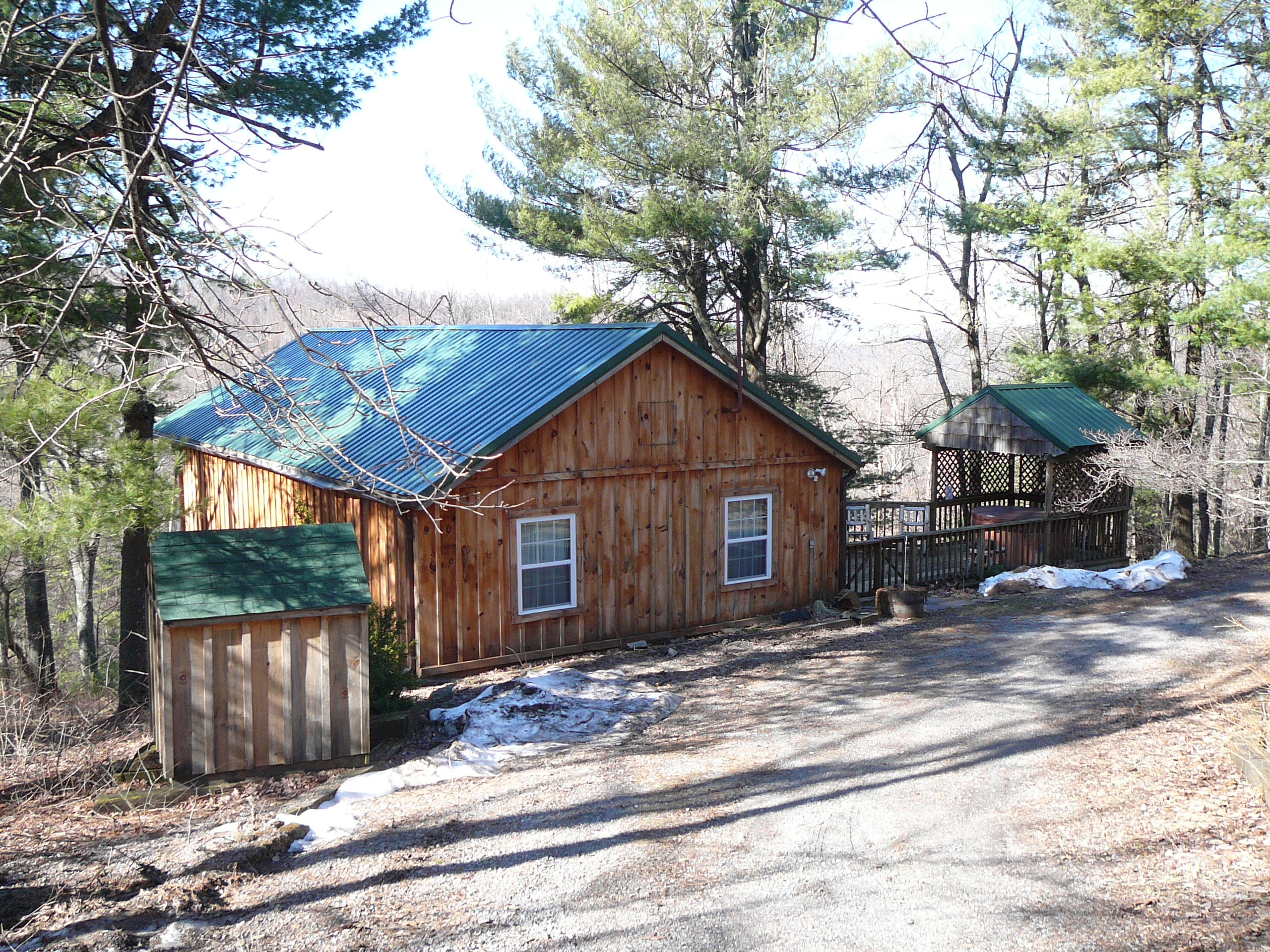 cozy three appalachian and hot lodging tub htm rentals luray adventures cabin cabins secluded